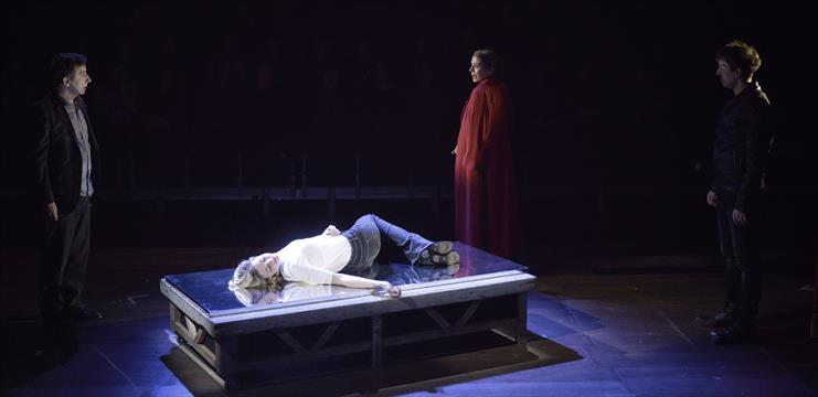Dossier de prensa for Teatre villarroel infamia